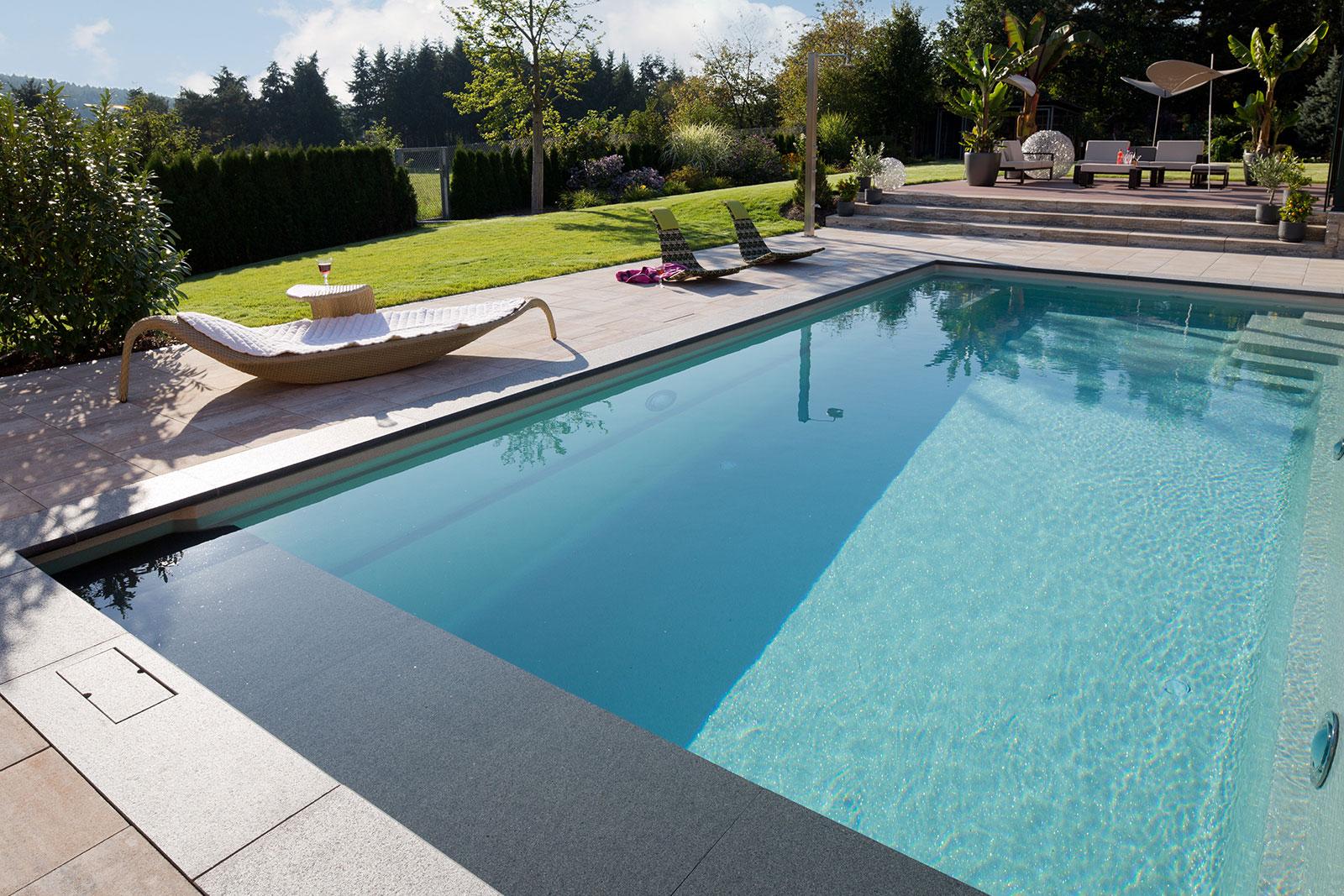 Trainer serie reps gmbh schwimmbad whirlpool for Fertigbecken pool